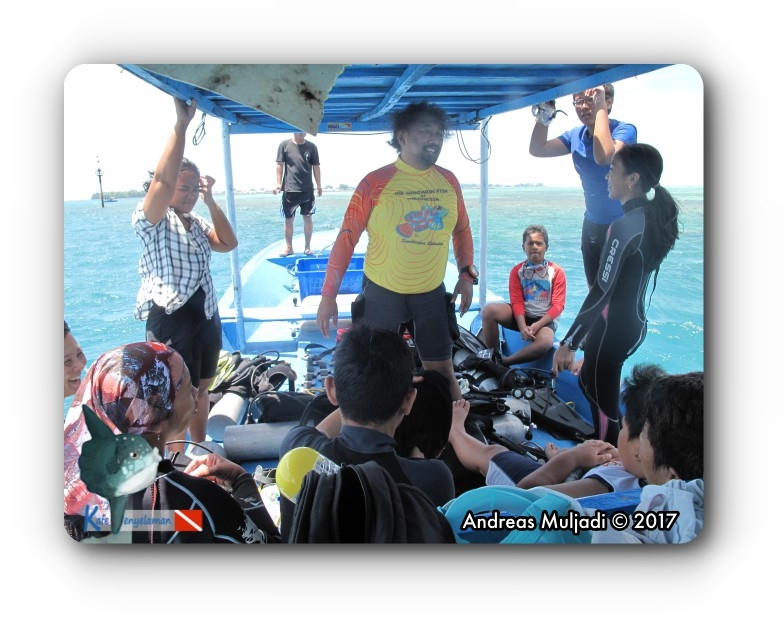 Briefing on boat