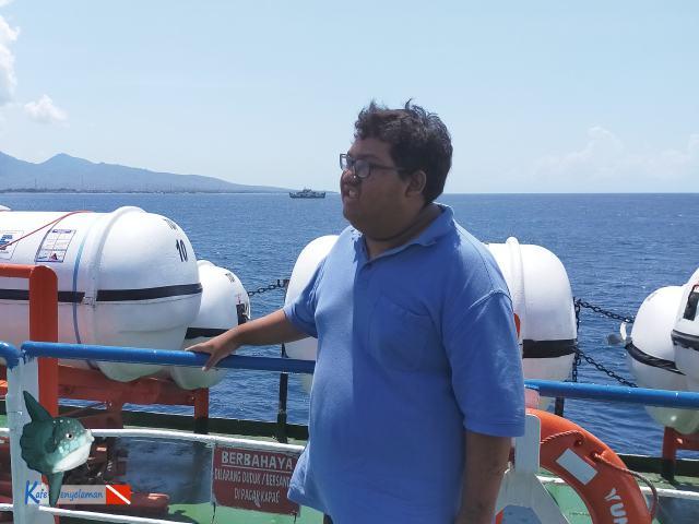 Gladden di atas Kapal Ferry